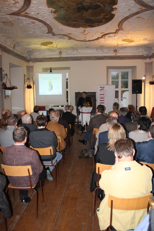 Otto Ruske eröffnet die Veranstaltungen zur 10. Wachauer Münzbörse.