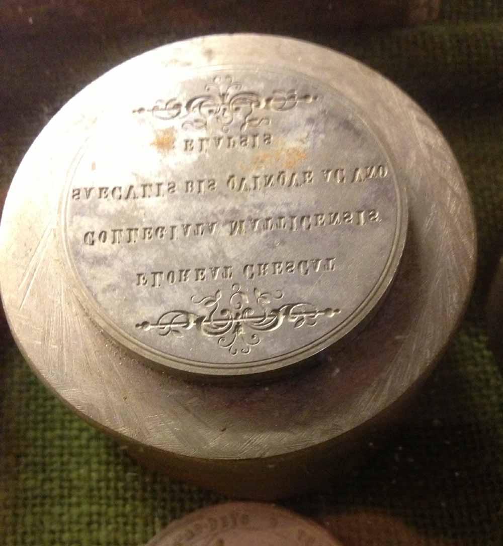Stempel mit lateinischer Inschrift (Macho 116 f)