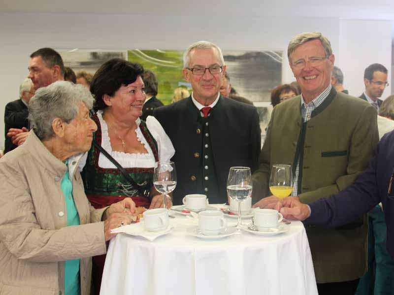 SNG, Mitte: Mag. Ulrich Höllhuber, Leiter der SNG