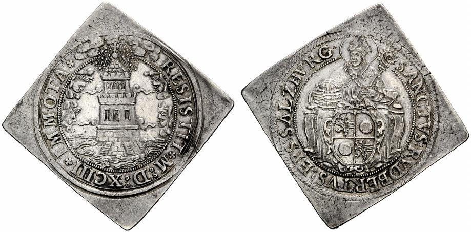 Turmtalerklippe mit vierfeldigem Wappen